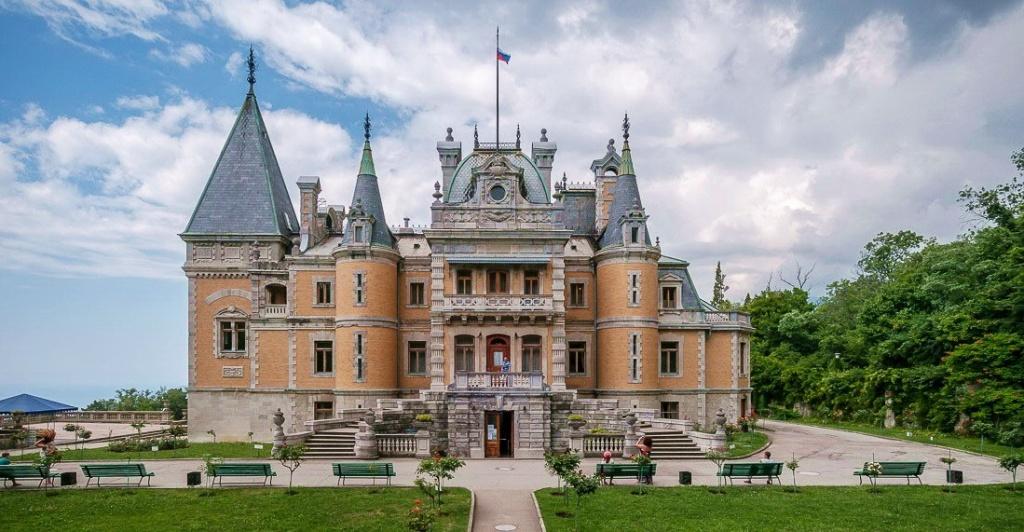 massandra-palace-crimea-2.jpg